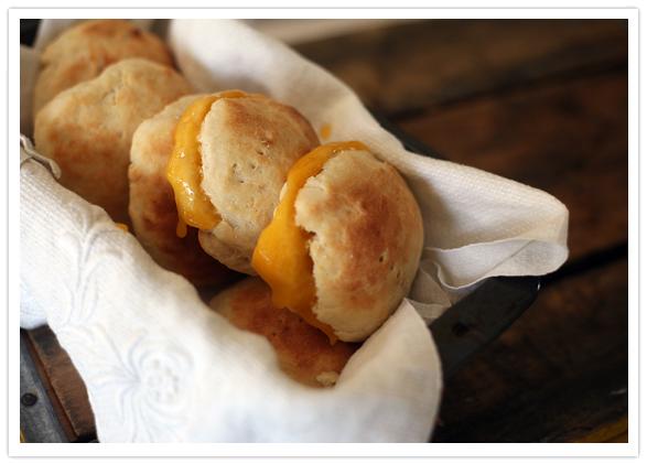 Galletas de Suero (Buttermilk Biscuits)