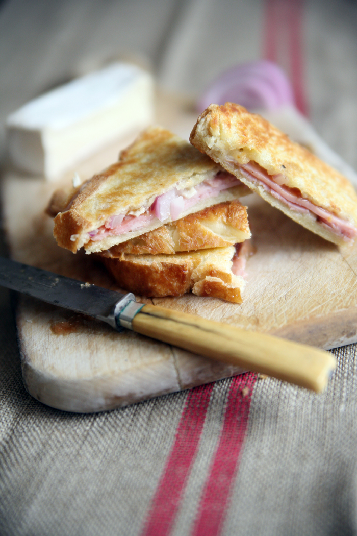 Muy Bueno Cookbook » Quince, Brie, and Black Forest Ham Panini
