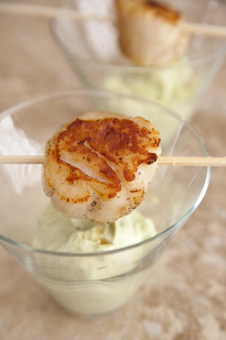 scallop with avocado mousse