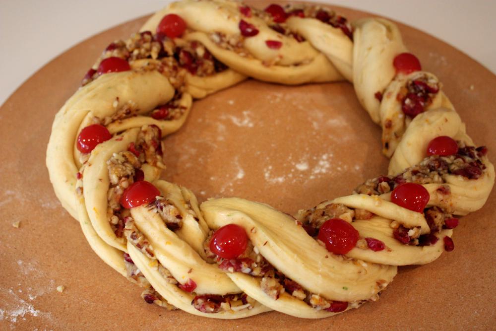 braided twisted wreath dough Rosca de Reyes